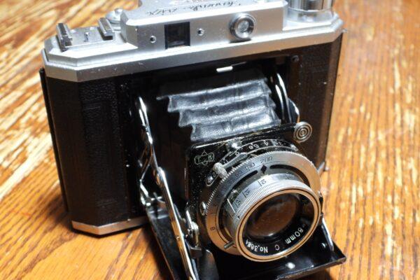 大判木製カメラ!エボニー(EBONY)の特徴と買取相場